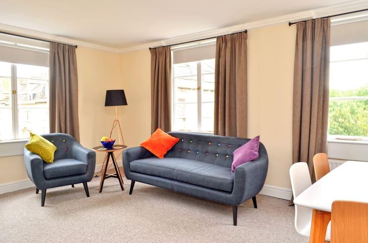 Bright city centre apartment. - Bath - Apartamento