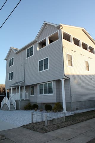 7 Bedroom, 6 bathroom &  sleeps 14 - Ventnor City - Maison