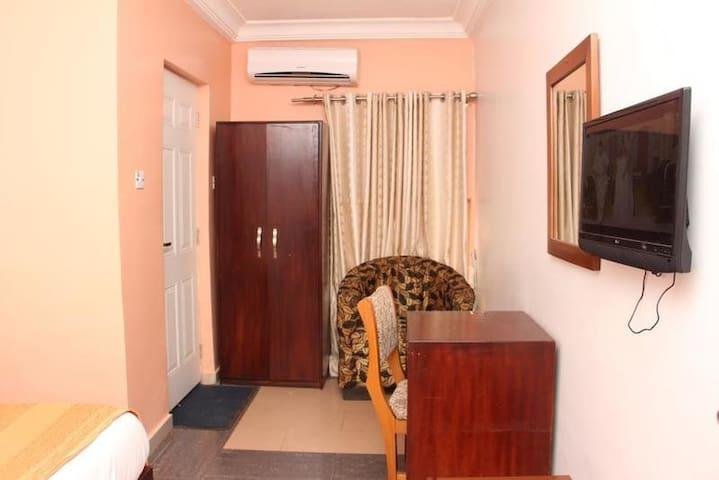 Dayspring Hotel-Royal Room