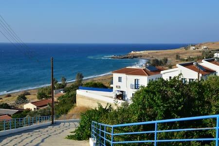 Capedee Holiday Villa - Pachyammos