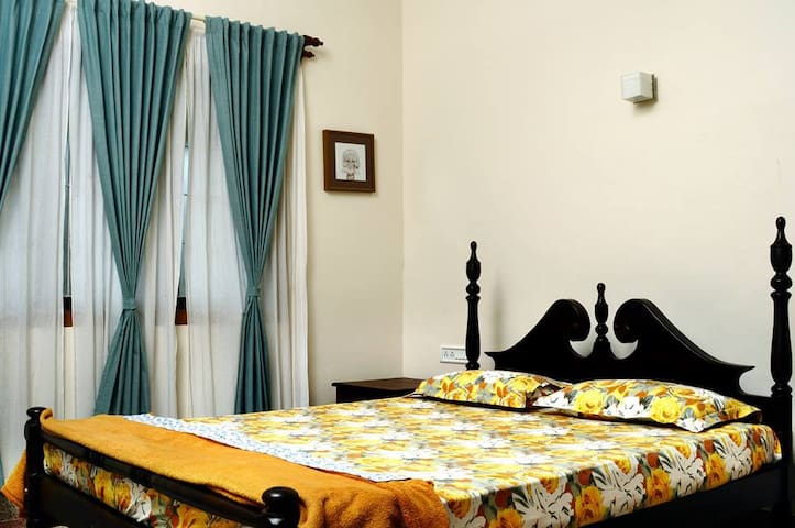 Enteveedu Home with 4 rooms ( Akash+ Thejus+ Soo - Panamaram - Bed & Breakfast