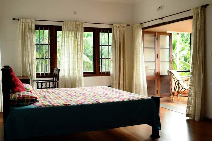 Enteveedu Homestay -1 Room Mountain View