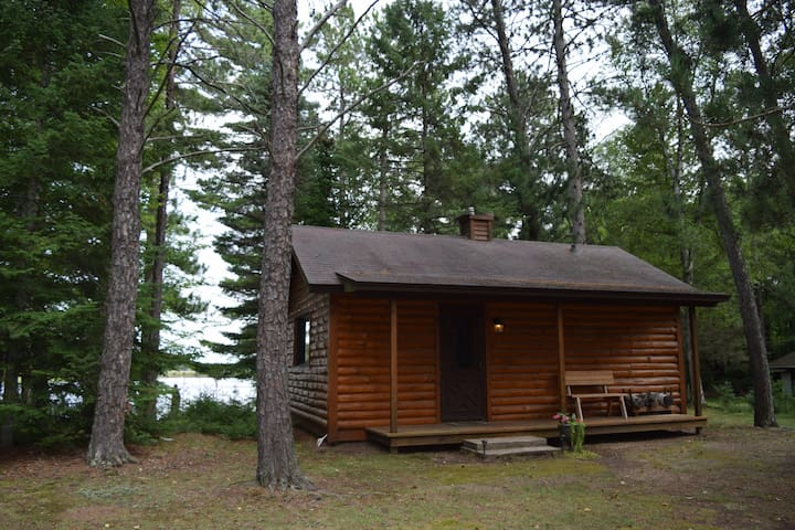 Perfect Fall Ride Lakefront Cabin - Tomahawk - House
