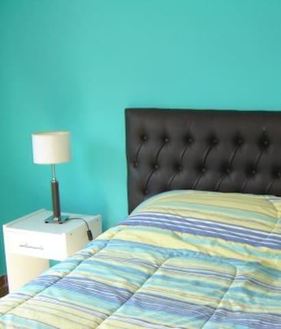 Colorido y Luminoso Apt. - Recoleta - Buenos Aires - Apartament