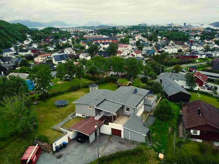 Bodø city-transfer: ferry, airport,train, nature.