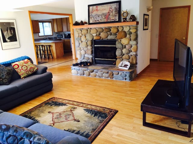 Sunny Side Hide Away - Tahoe City - Appartement