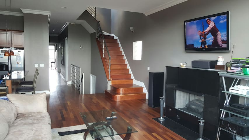 quiet lakeview penthouse w/roofdeck free parking2 - Chicago - Apto. en complejo residencial