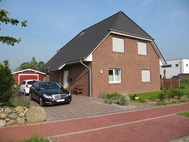 Familienfreundliches Ferienhaus (8 km zur Nordsee) - Meldorf - House