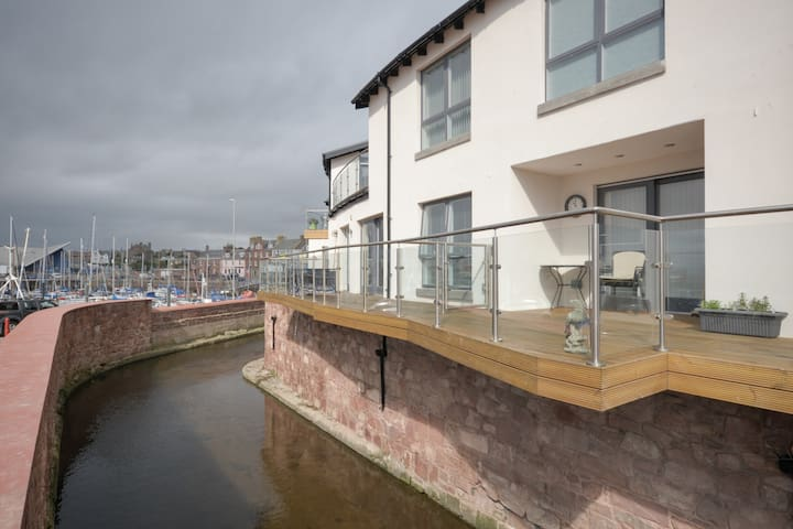 Luxury  two bedroomed apartment . - Arbroath - Apartamento