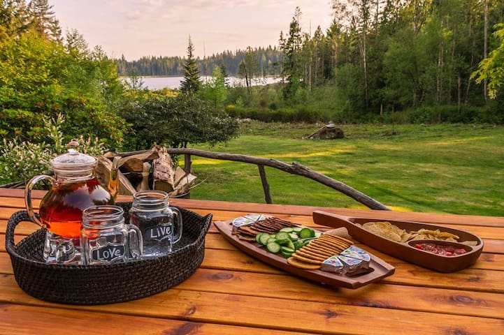 Private Luxury Camping on Lake :) - Maple Ridge