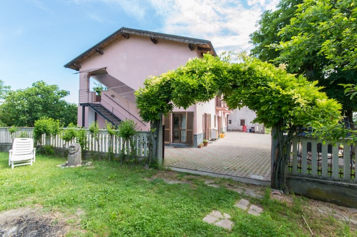 RossoMonferrato B&B - Sunset room