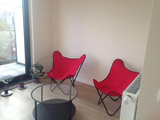 Chambre dans nouveau duplex, Europe