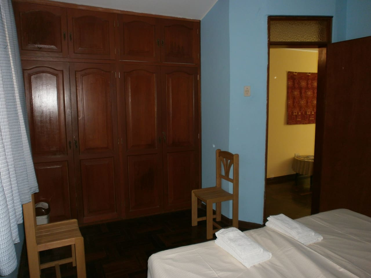 Room with share bathroom (only 1 other person1 double or 2 single beds