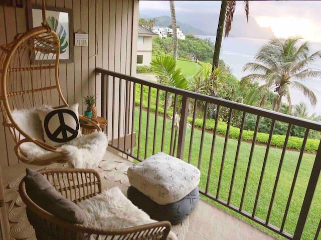 ~The Surf Shack~ with breathtaking ocean views!!