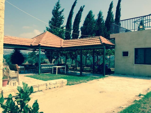 Beautiful Horse Ranch Retreat (2 bedroom) - Amioun - Flat