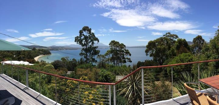 Luxury beach waterfront near Bruny & Hobart