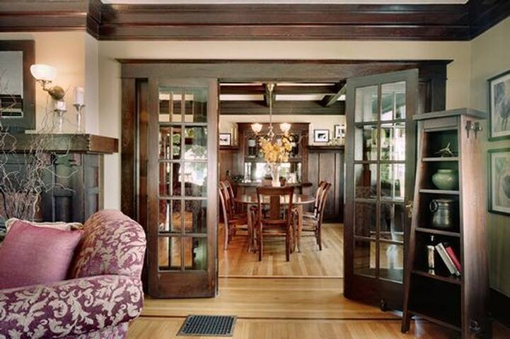 Lola house, Historic Irvington