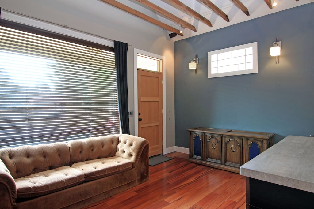 Front room, vaulted-gabled ceilings, 5-inch hardwood throughout.