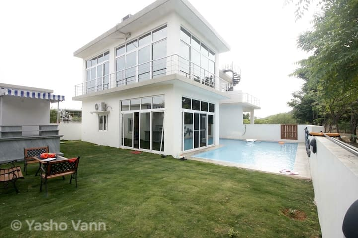 Yasho Vann - Villa with a Pool (Shamirpet) - Secunderabad - Villa