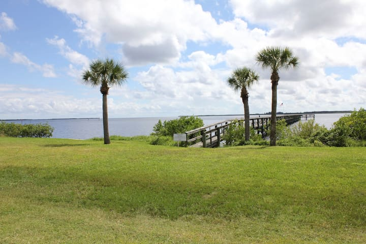 Waterfront Port Charlotte Condo - Port Charlotte - Appartement