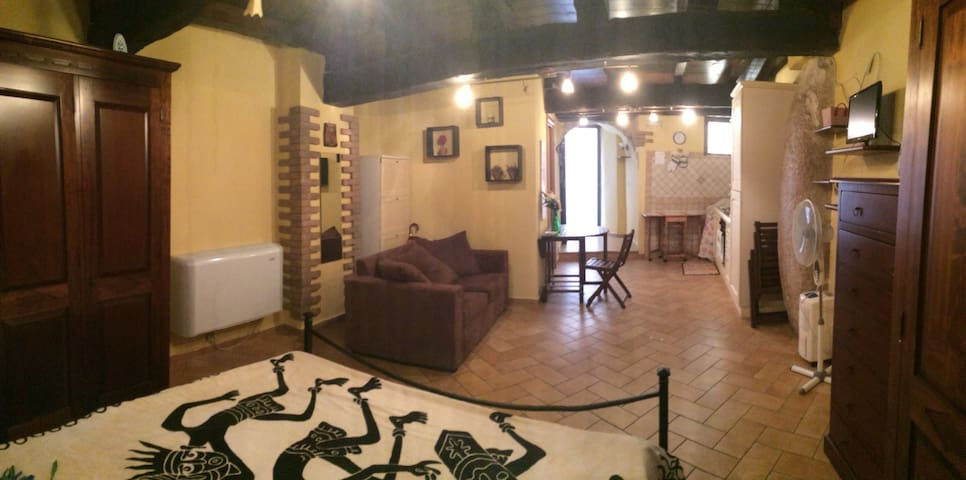 "Romantic getaway ""old city"" center. - Terracina - Appartement"