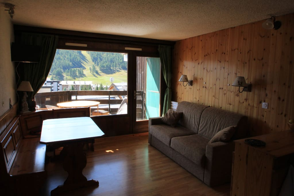 Beau studio sur les pistes appartements louer for Depot reglement interieur