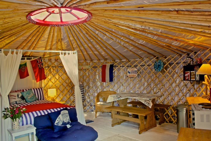 'Crab Shack' Luxury Yurt with Harbour & Sea Views - Emsworth - Rumah