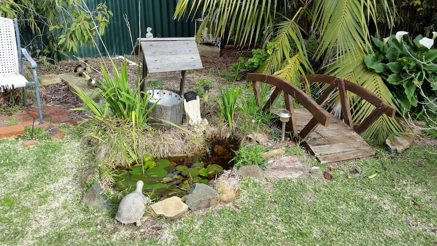 Spacious Garden Apartment Near Park - Dianella, Perth