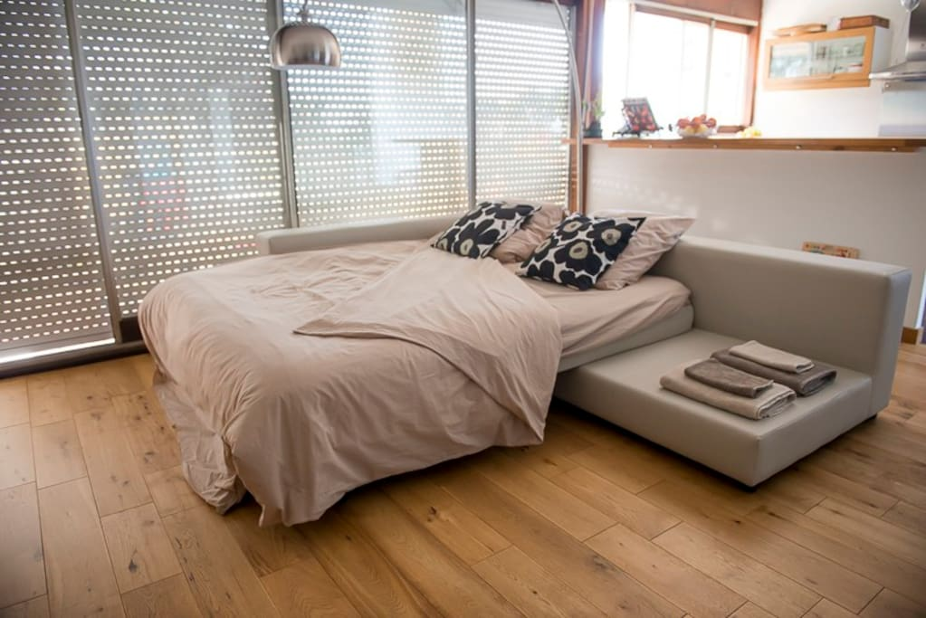 Confortable canap lit 2prs parking condominiums for rent in louvres idf - Sofa lit confortable ...
