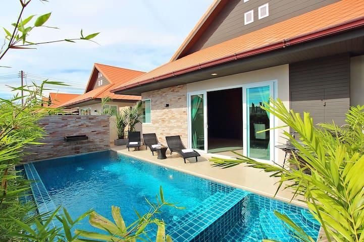 Grande Pool Villa in Jomtien Slp.6  (Villa No.A07) - Muang Pattaya - Villa