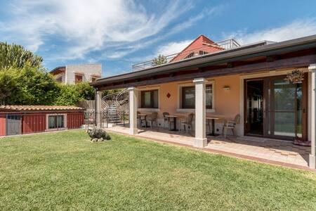 Villa La Scogliera room 1 - Fontane Bianche