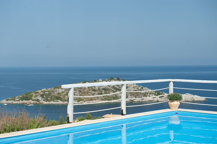 VILLA CONTESSINA wirh private pool and sea view