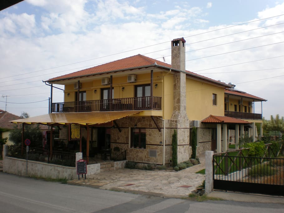 Olympia Guesthouse Twin Bed Room Bed And Breakfasts For