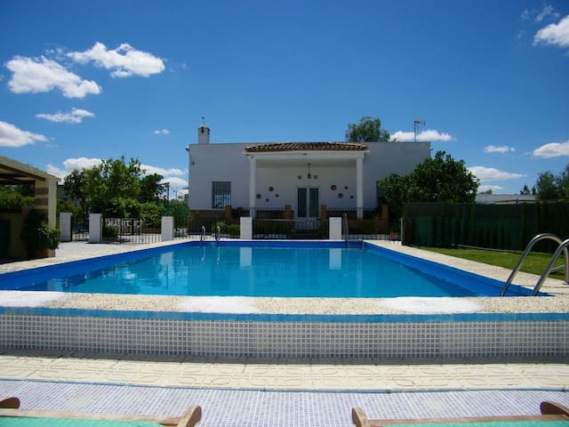 Rural Villa Girasol - private pool - Morón de la Frontera - วิลล่า