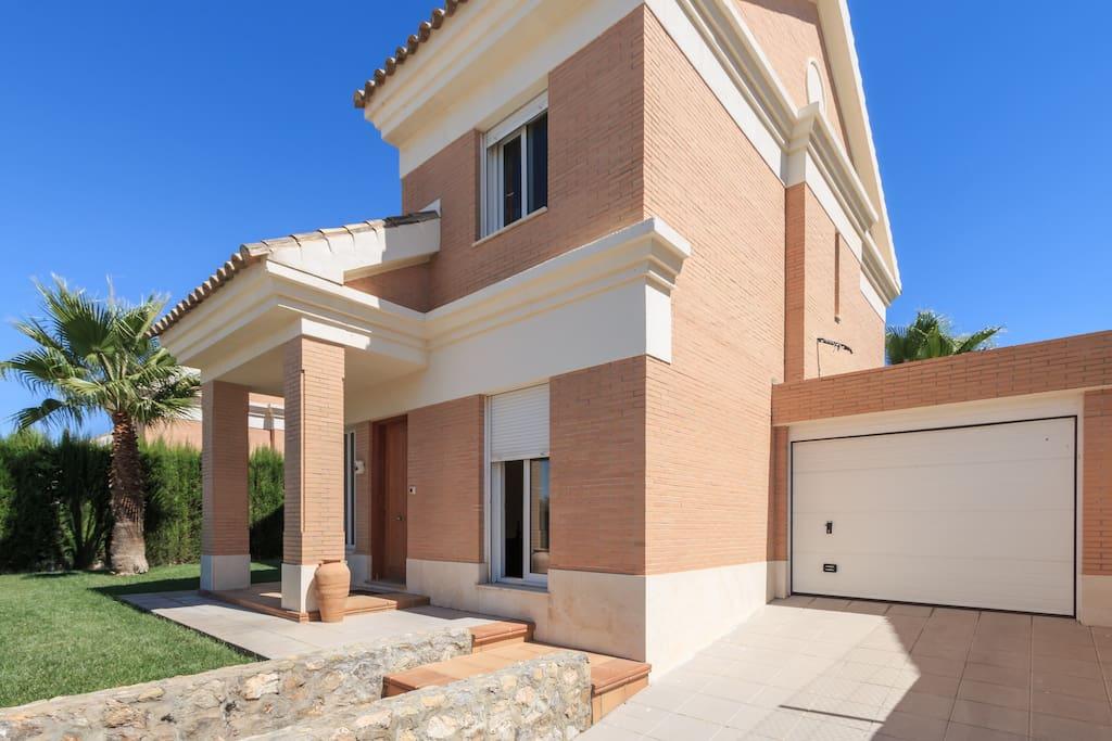 Granada villa con piscina ville in affitto a otura for Villas granada ii