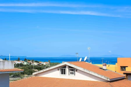 Sunny flat 2 mins from beach Sicily - Villafranca Tirrena