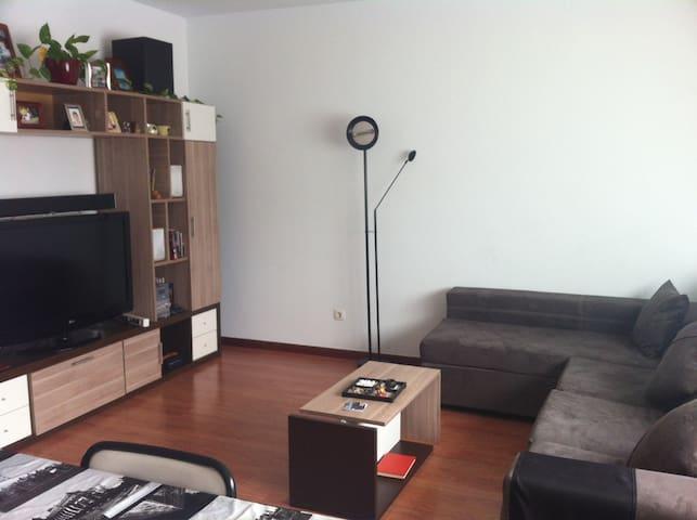 Habitación doble luminosa + WIFI - Vitoria-Gasteiz - Apartment