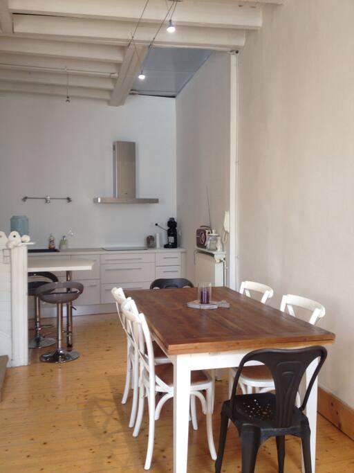 grande maison de ville centre agen maisons louer agen aquitaine france. Black Bedroom Furniture Sets. Home Design Ideas