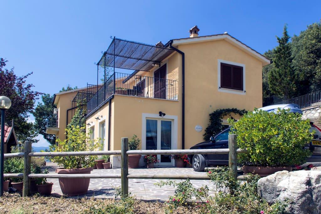 La fenetre sur le paradis appartements louer montefranco terni italie for Louer une chambre sans fenetre