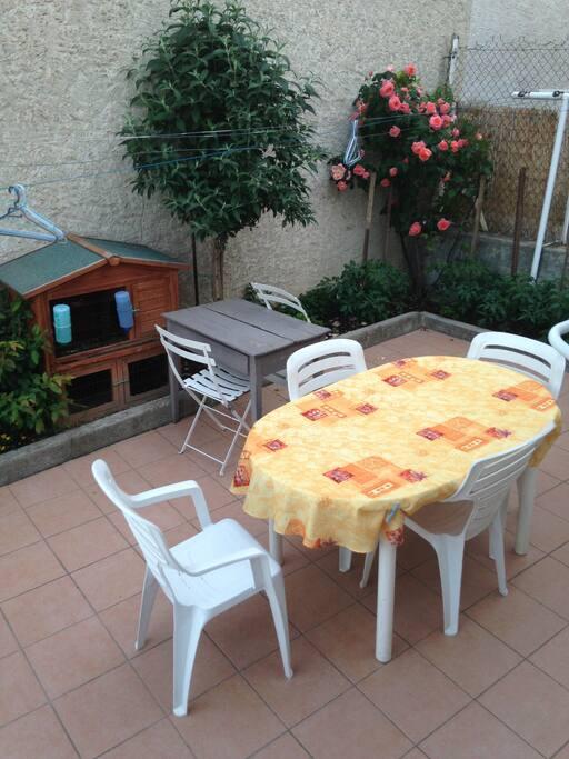 une terrasse en éte