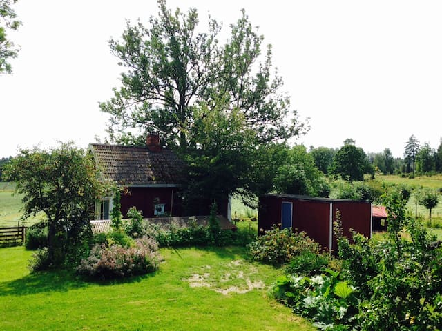 Cottage on organic farm - Mariestad - Cabin