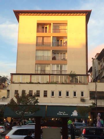 Apartamento na RUA COBERTA!! - Gramado - Apartamento