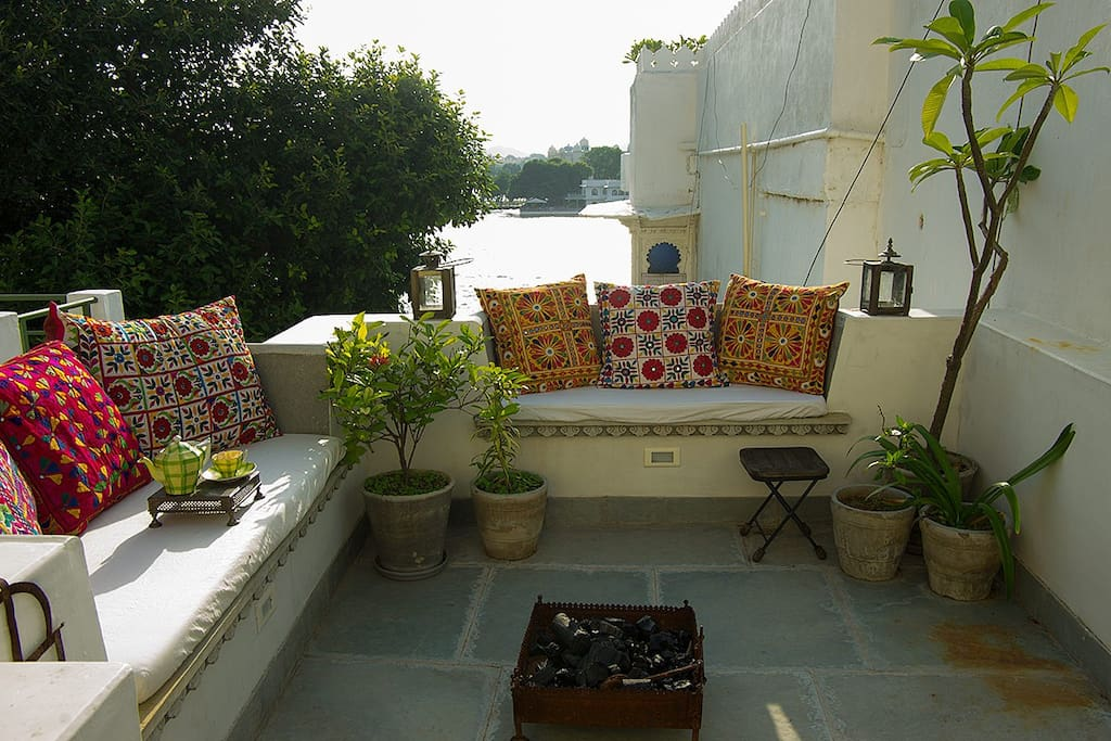 The private roof terrace overlooking Pichola lake.