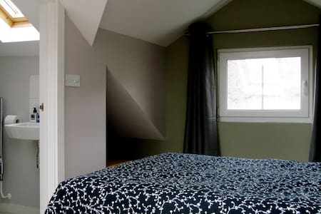 4 double rooms near Cardiff - Pontypridd