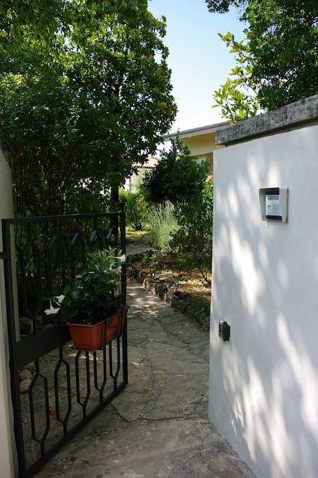 ingresso e giardino - hall and garden