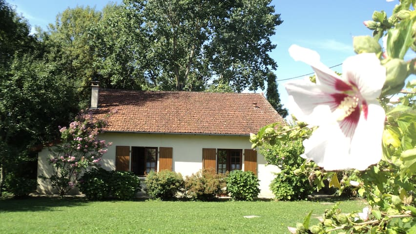 Maison de charme Les Bruyères - Montbron - Casa