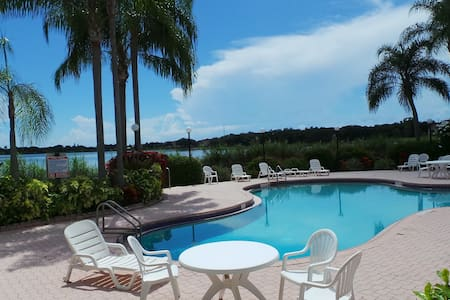 Apartment for 5, complete, 5 beds, pool, parking, - Oakland Park