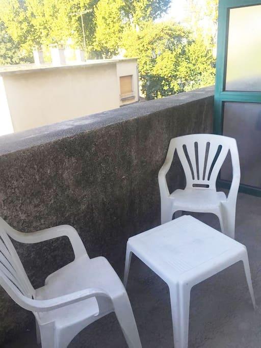Profitez d'un agréable balcon