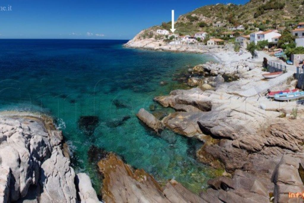 La casa sul mare dell 39 isola d 39 elba cottage in affitto a chiessi toscana italia - Chiessi e fedi arredo bagno ...