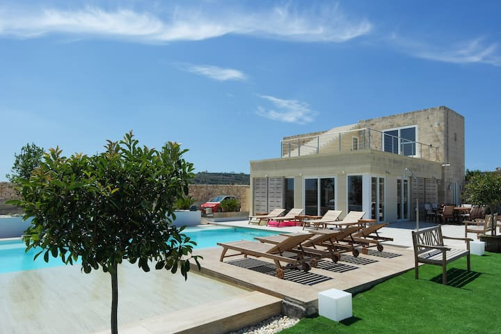 Luxury Villa with Infinity Pool - Is-Siġġiewi - Villa